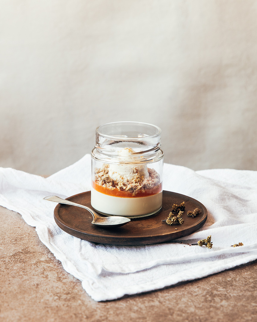 Locaal Cream cheese crémeux with carrot and clementine compote