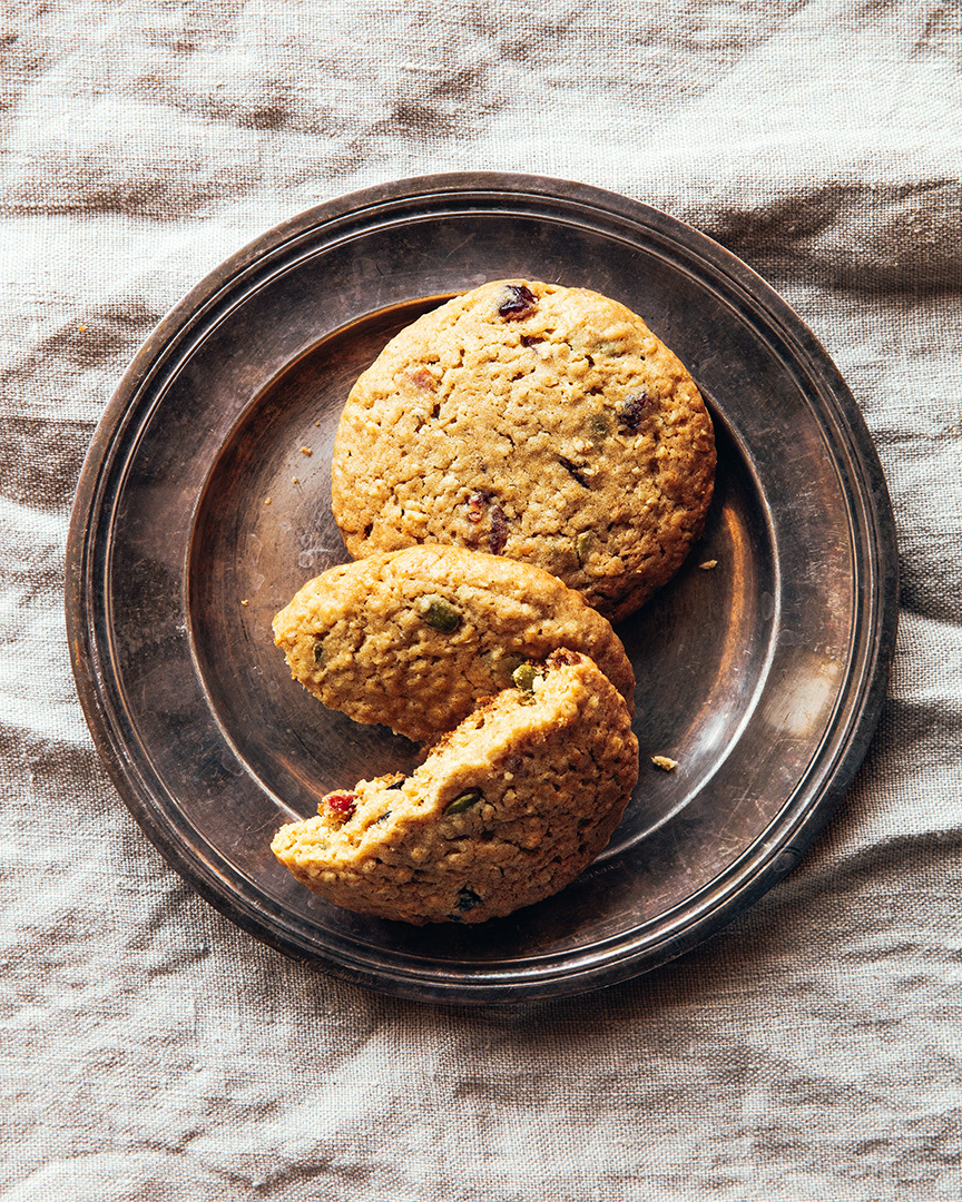 Locaal Cranberry oatmeal cookies with pumpkin seeds